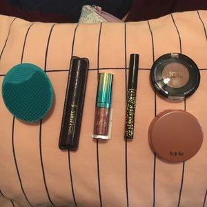 Tarte makeup + travel bag